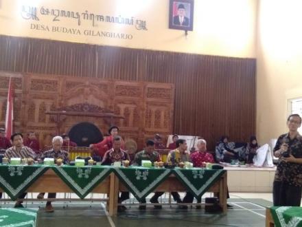 Akademi Komunitas Negeri Seni  dan Budaya melaksanakan pembelajaran bagi mahasiswa di Gilangharjo